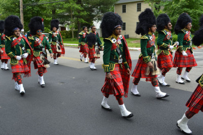 Shree Muktajeevan Swamibapa Pipe Band USA proudly walks in the NJ Sharing Network's 5k Celebration of Life
