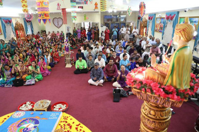 Hundreds of disciples from the Mid-Atlantic area gathered in the temple for the Diwali and New Year celebrations
