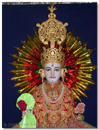 Lord Swaminarayan giving His divine darshan on this auspicious day