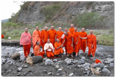After bathing in the river, the Sants are granted a photograph with Acharya Swamishree