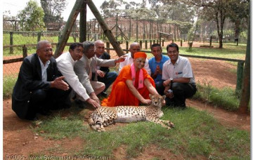 Acharya Swamishree's vicharan in Kenya and Tanzania