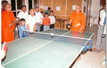 Acharya Swamishree's Vicharan in Uganda