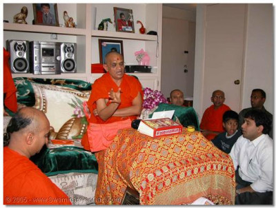 Scripture recital of Bapashree Ni Vato at the home of a disciple in Monte Bello