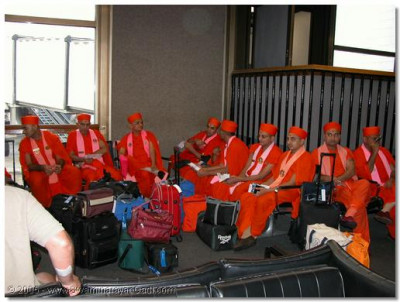 HDH Acharya Swamishree and Sants at LAX airport