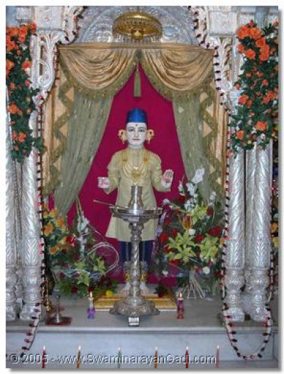The divine Mangla darshan of Shree Ghanshyam Maharaj