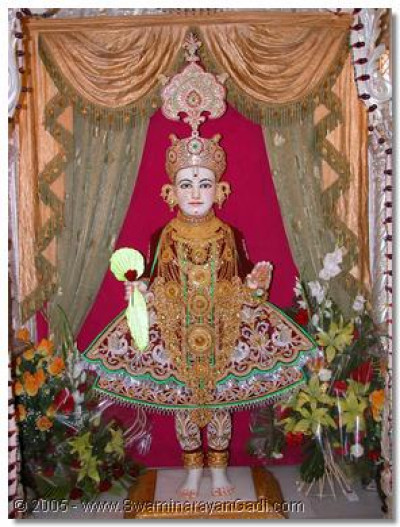The Shangar darshan of the supreme Lord Swaminarayan - Shree Ghanshyam Maharaj