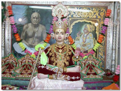 The Shangar darshan of the supreme Lord Swaminarayan - Shree Sahajanand Swami Maharaj