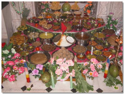 The vast array of Ankut foods placed at the divine lotus feet of Lord Swaminarayanbapa and Swamibapa