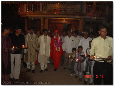 Special celebrations were held to honour Acharya Swamishree's arrival in Swaminarayan Paali