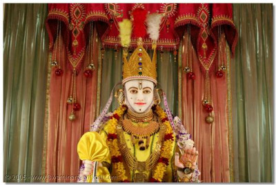 Divine darshan of Shree Ghanshyam Maharaj in Nairobi Temple on Shree Sadguru Din