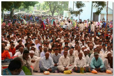 Thousands of disciples sat outside the Temple for even a glimpse of the patotsav ceremony