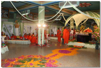 The stage was created in the Shree Brahm Mahol of Maninagar Temple