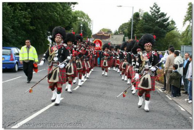 Shree Muktajeevan Pipe Band leads the procession