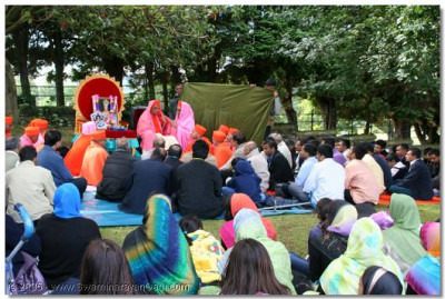 Devotees gathered from all over the world to take part on this special occasion