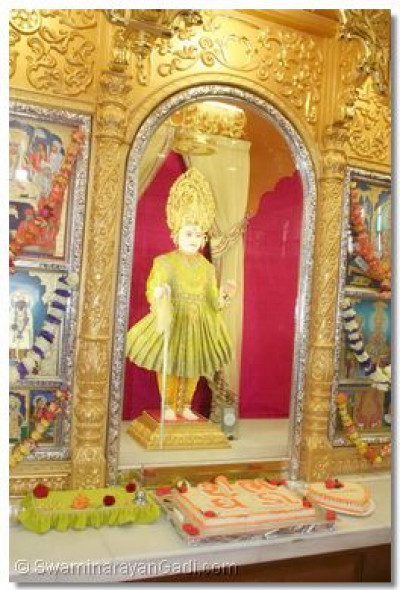 Divine darshan of Lord Swaminarayan at Shree Swaminarayan Temple, Nairobi