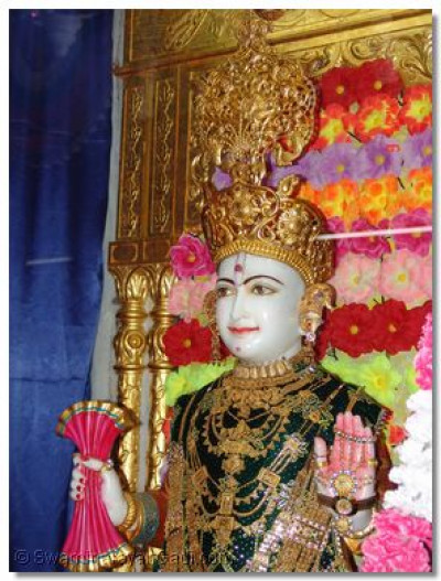 Supreme Lord Shree Swaminarayan, Shree Ghanshyam Maharaj, who gives darshan in the holy site of Kheda, the divine manifestation site of Jeevanpran Swamibapa