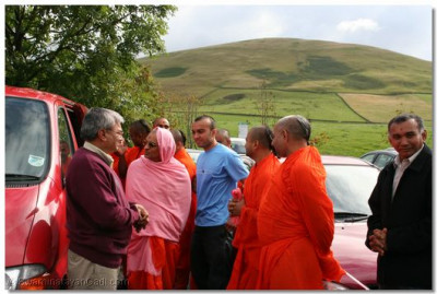 Acharya Swamishree arrives at Loch Lomond Castle Lodges in Scotland