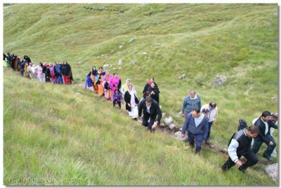 Disciples trek up the mountains