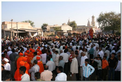 The procession was held through the main streets of Mokhasan