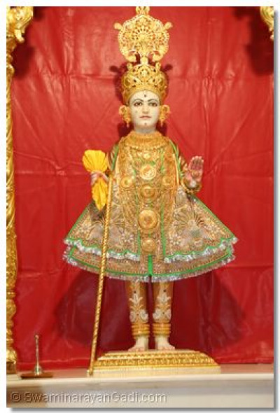 Divine darshan of Lord Swaminarayan on patotsav day at Maninagar dham