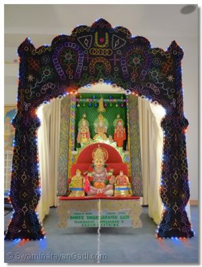 Hindola darshan in Perth, Australia - Lights Hindola