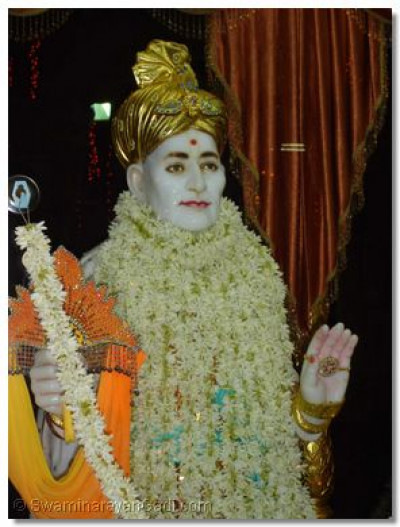 Divine darshan of Jeevanpran Bapashree at Varodara Temple
