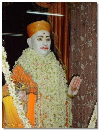 Divine darshan of Jeevanpran Swamibapa at Varodara Temple