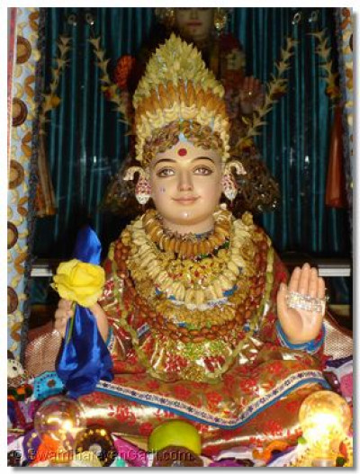 Divine darshan of Lord Shree Swaminarayan at Varodara