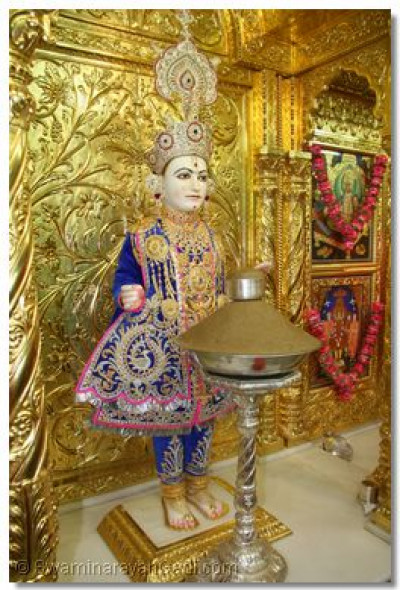 Divine darshan of Lord Shree Swaminarayan at Shree Swmainarayan Temple Maninagar
