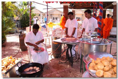 Prasad lunch being prepared