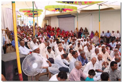 Hundred of disciples came from various parts of Kutch to Sukhpur
