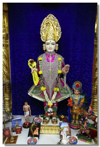 Divine darshan of Lord Shree Swaminarayan on the morning of 14th October