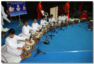 Students of Shikar Institue of Tabla in performance during the evening Bhakti Sangeet night