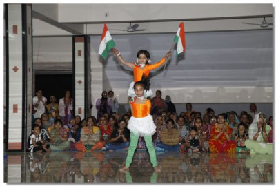 The performances were themed around Indian patriotism and National pride
