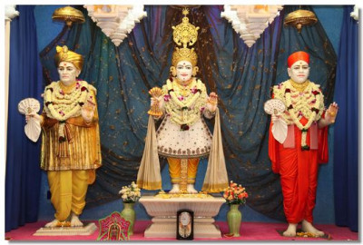 Divine darshan of the murti at Shree Swaminarayan Temple Mumbai