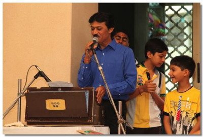 Bollywood singer Sanjay Omkar gives a performance during this special occasion