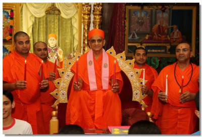 A special vigil held at Shree Swaminarayan Temple London in the presence of Acharya Swamishree