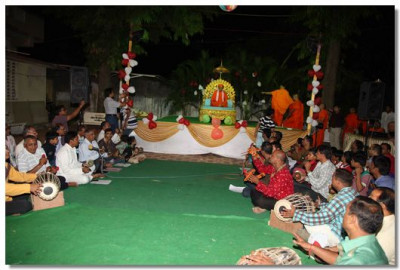 Bhakti sangeet performances in Varodara