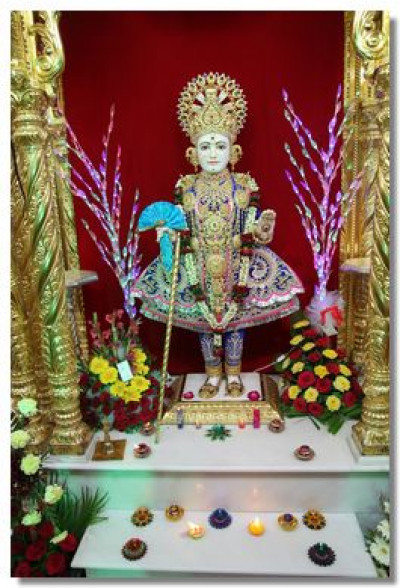 Divine darshan of Lord Swaminarayan on new year's day