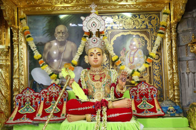 Divine darshan of Shree Sahajanand Swami Maharaj