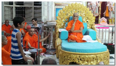 A young disciple talks about Lord Swaminarayan