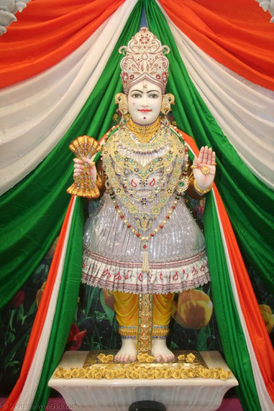 Divine darshan of Lord Swaminarayan in Mumbai