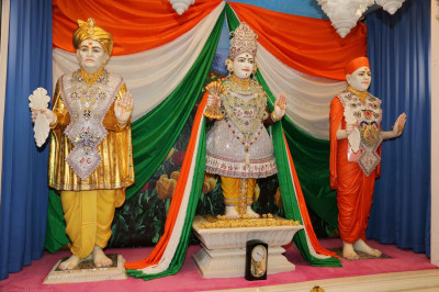 Divine darshan of Lord Swaminarayan, Jeevanpran Bapashree, and Jeevanpran Swamibapa in Mumbai