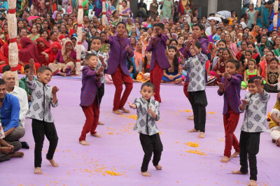 Shilanyas dance performance by young disciples