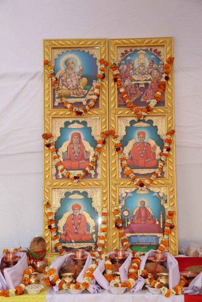Divine darshan of the Murtis to be installed in the new mandir