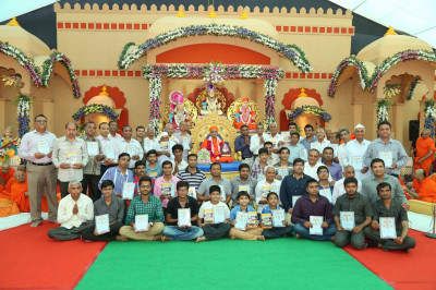All disciples that took part in the 'Pad Yatra' over the year are presented with an official certificate for travelling many kilometres by foot to Shree Swaminarayan Mandir Kheda