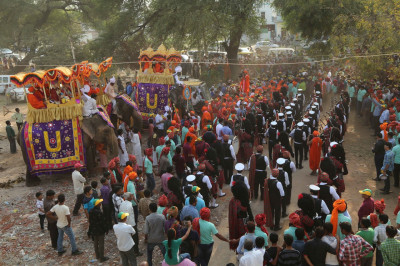 The three bands of Shree Swaminarayan Gadi Sansthan perform and lead the procession