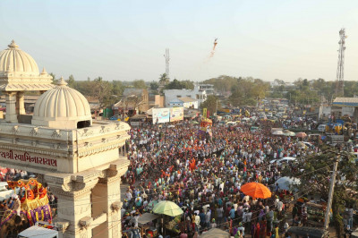 The parade at Shree Muktajeevan Pravesh Dwar - a magnificent and grand gateway to the town of Kheda