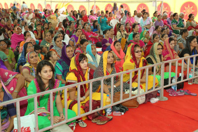 Thousands of disciples gather to celebrate the second day of the 25th anniversary of Shree Swaminarayan Mandir Kheda