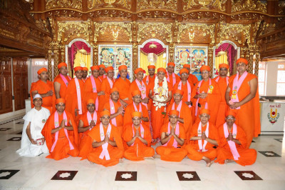 Acharya Swamishree and sants at Shree Swaminaraan Mandir Bhuj